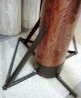 деревянный манекен на опоре